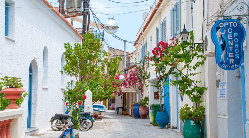 Winkelstraatje op Poros
