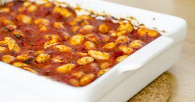 Gigantes plaki: Griekse reuzenbonen in tomatensaus uit de oven