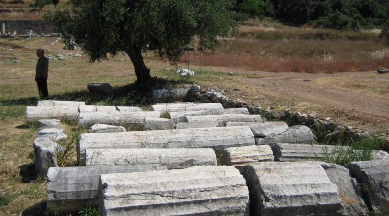 Omgevallen zuilen in Messini (Messene)
