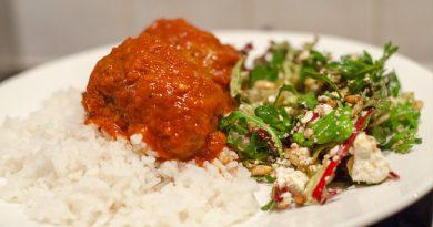 Griekse gehaktballetjes in tomatensaus recept