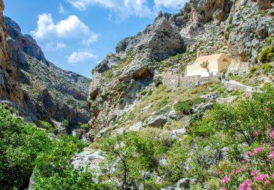 Wandelen in de Kourtaliotiko Gorge op Kreta