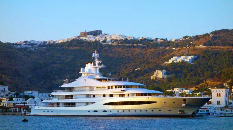 Luxieuze jachten naderen Patmos