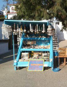 Een stalletje op Lipsi waar parfums verkocht worden