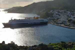 Uitzicht op de haven van Patmos